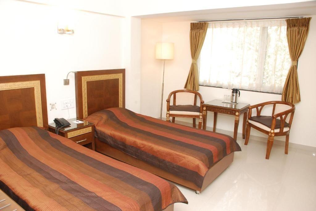 Hotel Furaat Inn Hotel Centra Ahmedabad